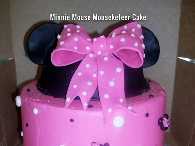 minnie-mouse-mouseketeer-cake