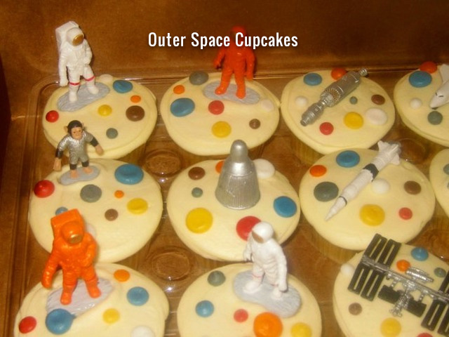 outer-space-cupcakes