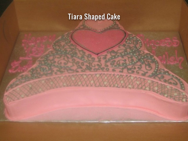 tiara-shaped-cake